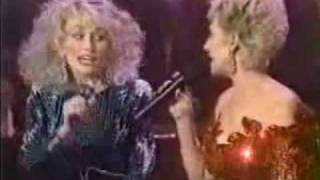 Dolly Parton & Tammy Wynette - Stand By Your Man (Medley)