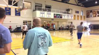 Stephen Curry and Durant shooting 3s together, Warriors (0-0) practice b4 2nd Rd 2017 NBA Playoffs