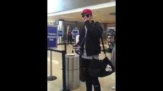 160120 WuYiFan LAX Airport -High5 & I