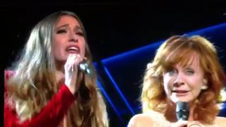2017 ACM Reba McEntire and Lauren Daigle
