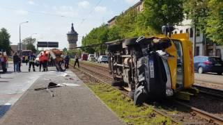 Stau nach Unfall am Wasserturm in Halle
