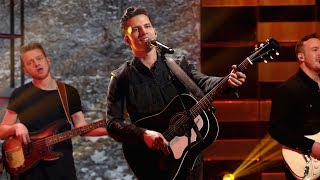 Rising Country Star Devin Dawson Performs