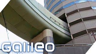Verkehrsplanung: Durch dieses Hochhaus führt eine Autobahn | Galileo  Lunch Break