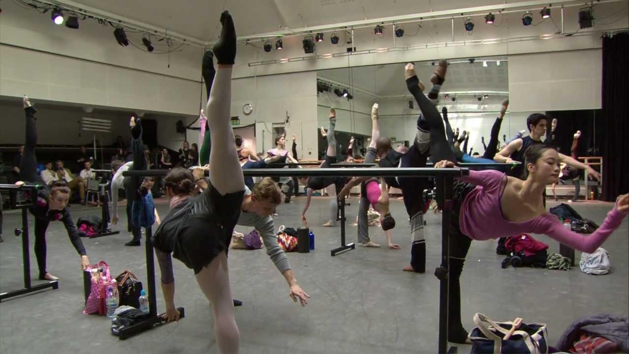 Голый балет ютьюб