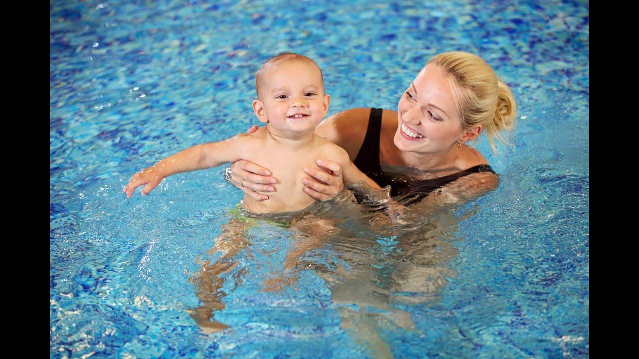 Сын купается с мамой 12 фотография